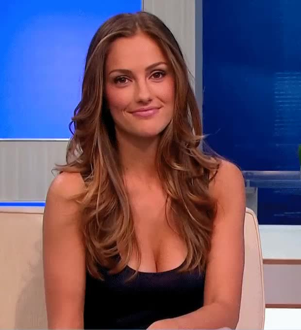 minka Kelly trying not to laugh at the cameraman's boner