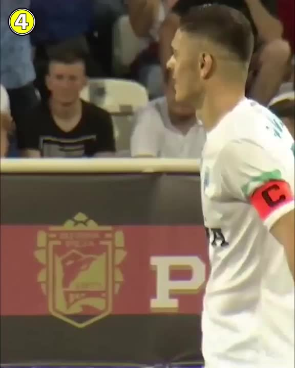 Watch and share Ref Trolls Player GIFs on Gfycat