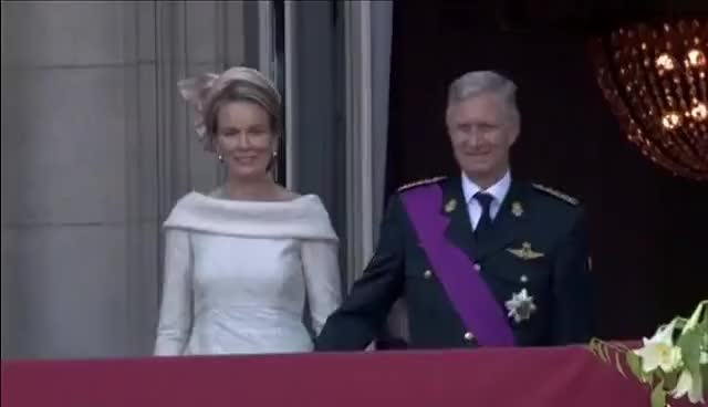 Watch and share Balconscene  Koning Filip I En Koningin Mathilde GIFs on Gfycat