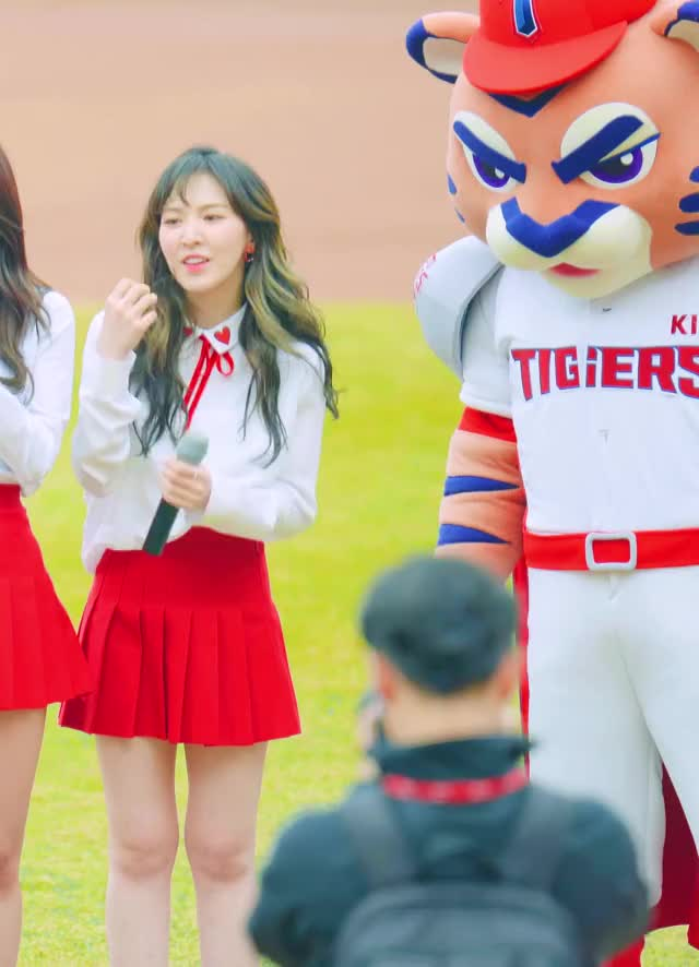 Watch and share Redvelvet GIFs and Kpics GIFs by enter_text_here on Gfycat