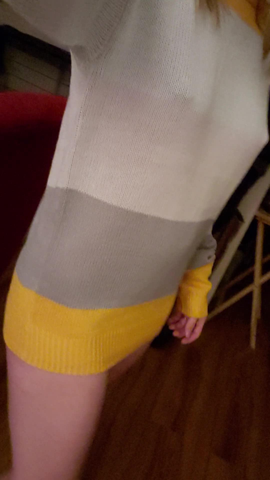 I like big sweaters cuz they make me feel extra small 🤗