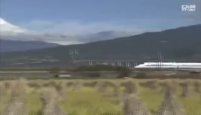 Watch and share N700系・700系新幹線/Japanese Bullet Train【SHINKANSEN】N700・700 Series GIFs on Gfycat