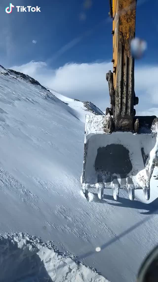 Watch and share Digging Snow GIFs by radiantemployment on Gfycat