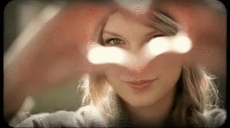 heart, hearts, i love you, love, taylor swift, Taylor Swift Heart Hands GIFs