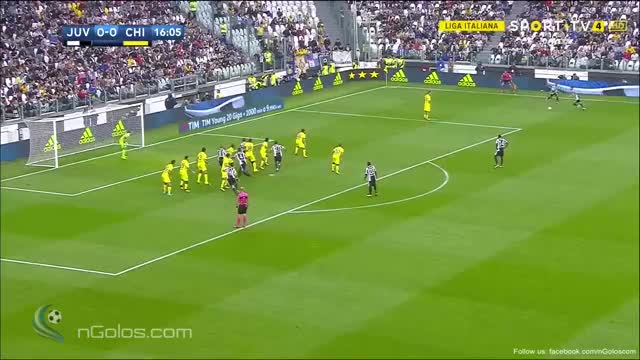 Watch and share (www.nGolos.com) Juventus 1-0 Chievo - Hetemaj (Own Goal) 17' GIFs on Gfycat