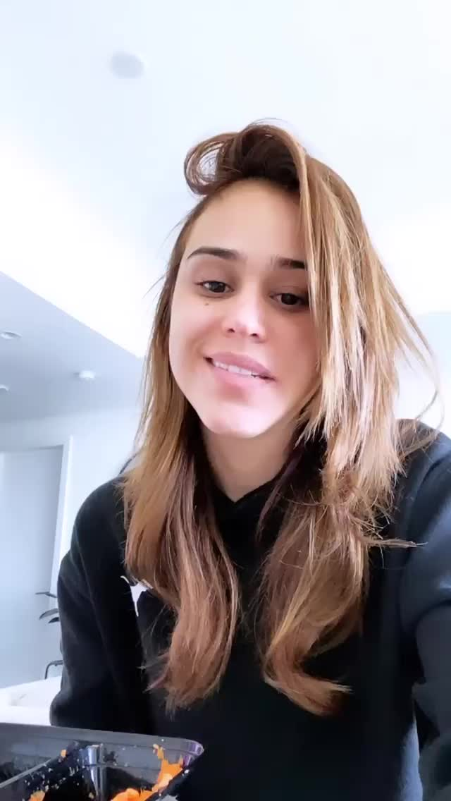 Watch and share Iamyanetgarcia - 2020-02-20 06:00:12:157 GIFs by Bobby Bee on Gfycat