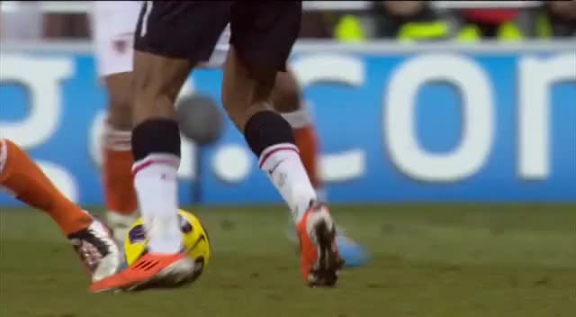 Watch 68 Berbatov GIF by @mu_goals_2 on Gfycat. Discover more related GIFs on Gfycat