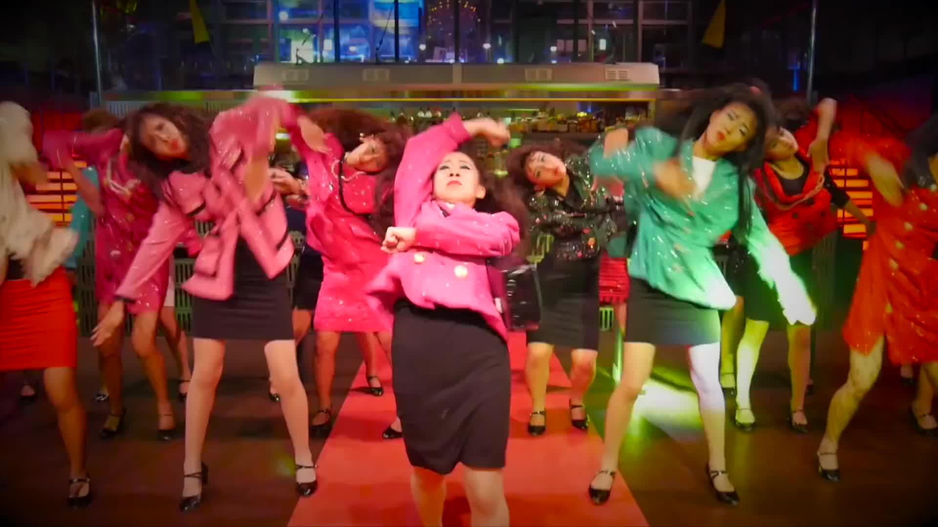 Vũ đạo gây sốt mới của Chi Pu lấy cảm hứng từ hội chị em quái dị Nhật Bản? ảnh 5