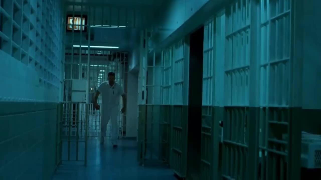 charlie cox, daredevil, frank castle, jon bernthal, marvel, marvel cinematic universe, matt murdock, mcu, mountain, netflix, the punisher, Daredevil - Punisher prison fight Scene (HD 1080p) GIFs