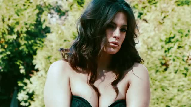 Watch this ashley graham GIF by @quietbatperson on Gfycat. Discover more ashley graham, model GIFs on Gfycat