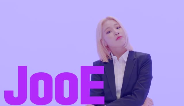 Watch and share Momoland Jooe GIFs and Kuro | 구로카미 GIFs by Kuro | 구로카미 on Gfycat
