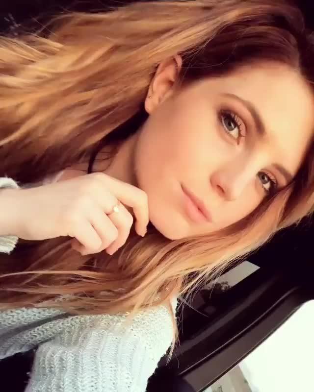 Sydney Sierota, Fridaze ♡ GIFs