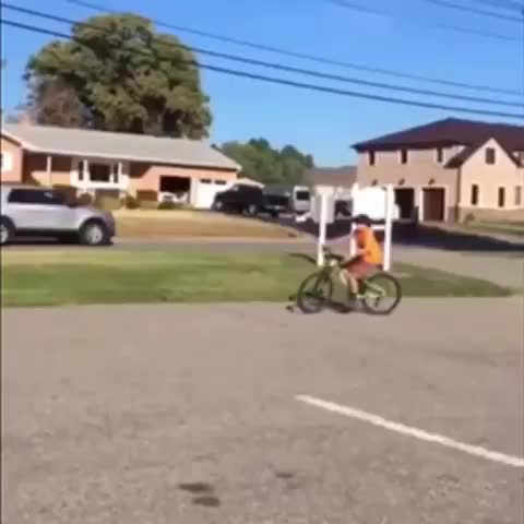 Watch and share Bicycle GIFs and Bike GIFs by Boojibs on Gfycat