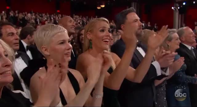 Watch this oscars GIF by Vera Yuan (@verbear) on Gfycat. Discover more oscars, oscars2017 GIFs on Gfycat