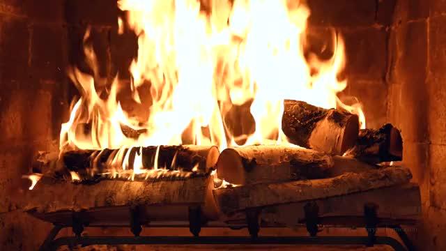 это гифка камин с огнем уже рассказывали
