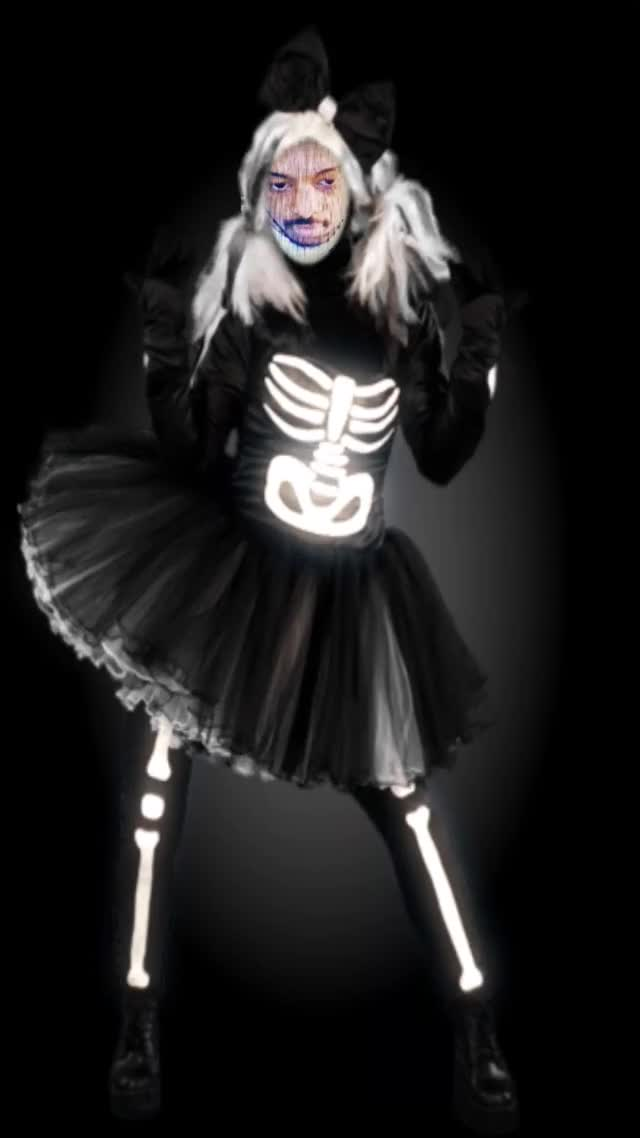 Lacari Fabulous Dance