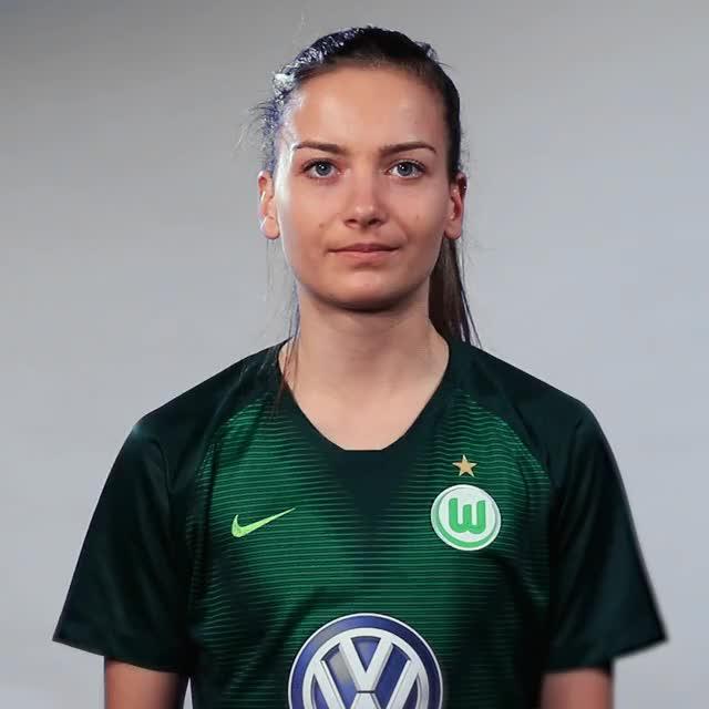 Watch and share Joelle Wedemeyer - Vier GIFs by VfL Wolfsburg on Gfycat