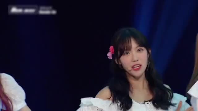 Watch and share Cosmic Girls GIFs and Luda GIFs by Salt on Gfycat