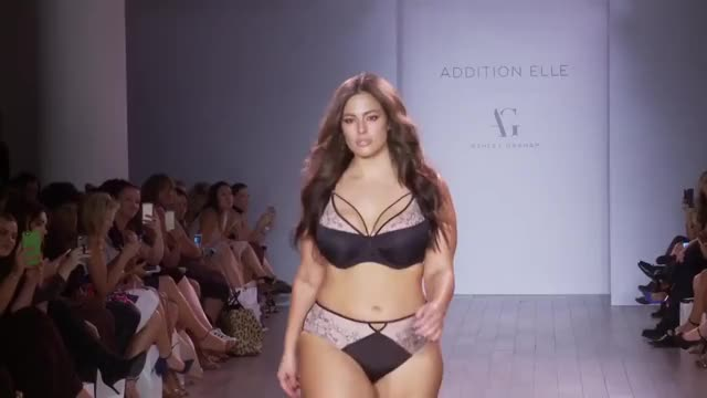 Watch Ashley Graham defile GIF by Anna Pink (@annapink) on Gfycat. Discover more Ashley Graham GIFs on Gfycat