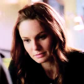 Watch and share Sarah Wayne Callies GIFs and She's So Pretty GIFs on Gfycat