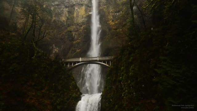 Watch this cinemagraph GIF by @phil.camera on Gfycat. Discover more cinemagraph, eagle creek fire, fire, multnomah falls, nature, oregon GIFs on Gfycat