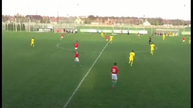 Watch and share Or Making Patrick Vieria-esque Bursts From Midfield… GIFs on Gfycat