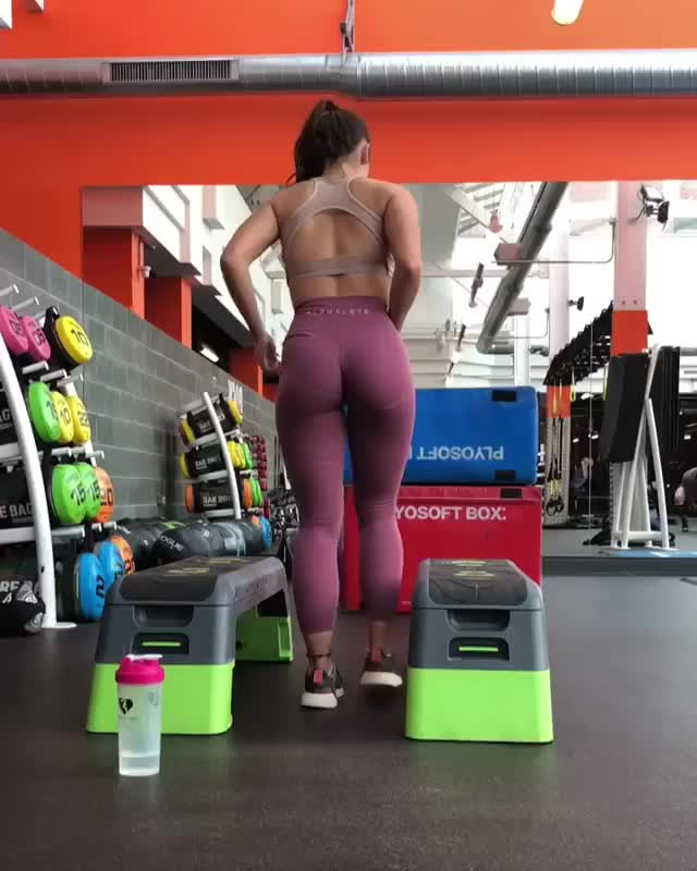 Watch and share Livefitelle 2018-10-02 02:53:57.587 GIFs by Pams Fruit Jam on Gfycat