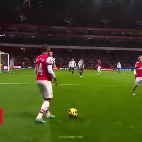 football | futbol | soccer, Walcott's amazing solo goal back in the days 🔥 LUCK or SKILL👇 GIFs