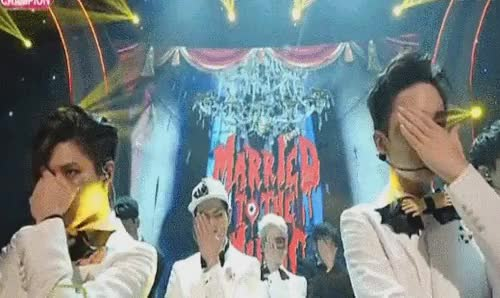 Watch 150812 Congrats onSHINee's 1st win at Show Champion ^^ ~LQ ~ GIF on Gfycat. Discover more 150812, SHINee, congrats boys, jonghyun, key, marriedtothemusic1stwin, minho, my gifs, onew, show champion, taemin GIFs on Gfycat