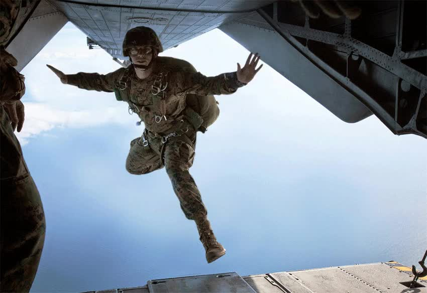 A marine jumping from a plane : photoshopbattles GIFs