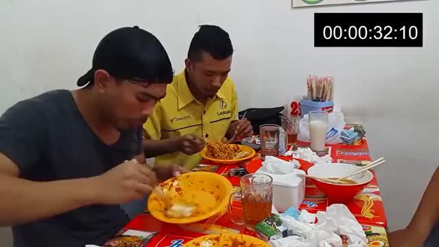 Watch CUMA 40 DETIK !! Tanboykun Ngabisin Mie Abang Adek Pedes Mampus GIF on Gfycat. Discover more Indomie, Indonesia, challenge, mukbang, tanboykun, youtube GIFs on Gfycat