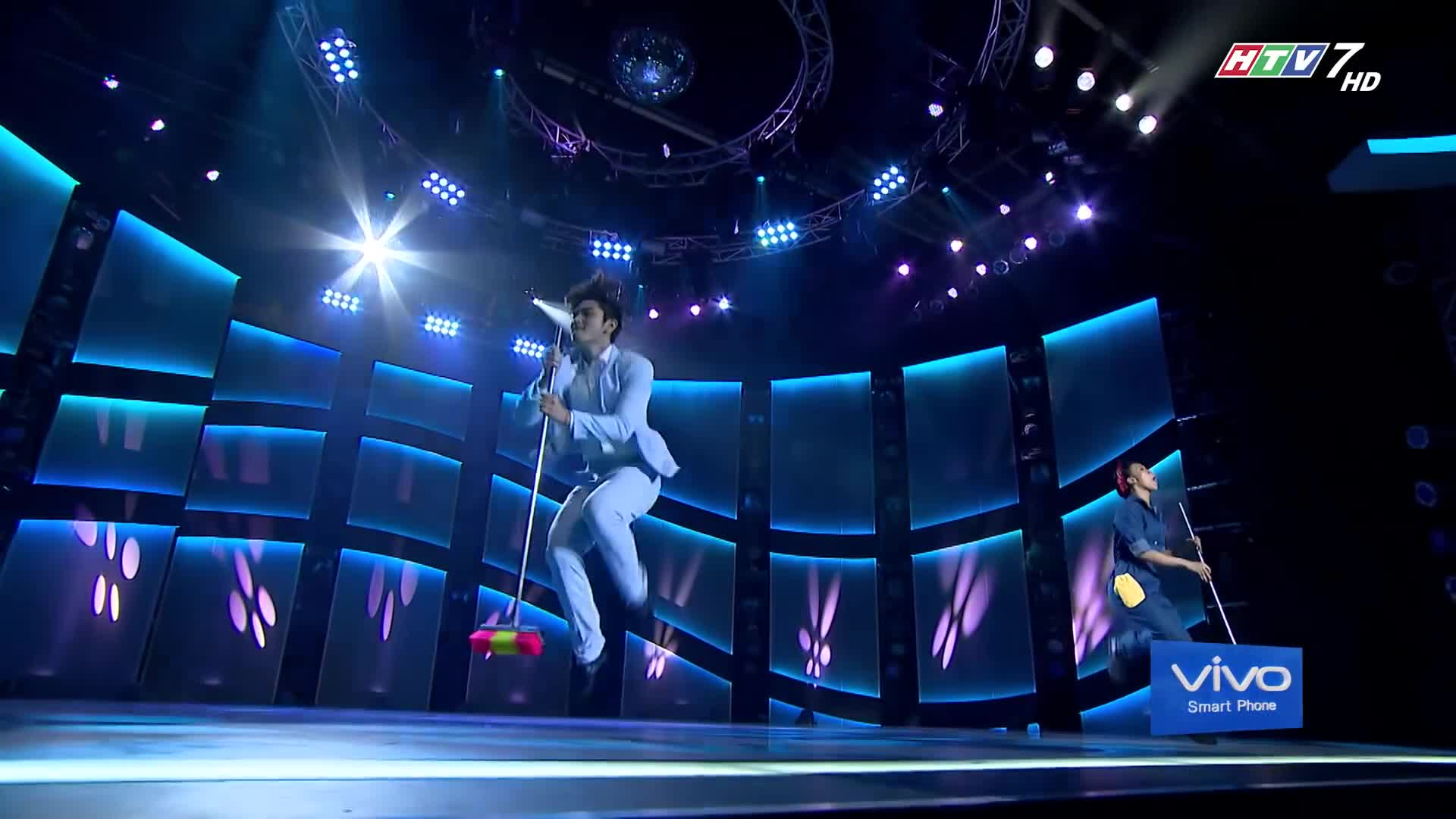 Nhảy tốt thế này, sao hotboy Zero 9 còn đi hát làm chi để bị ném đá? ảnh 5