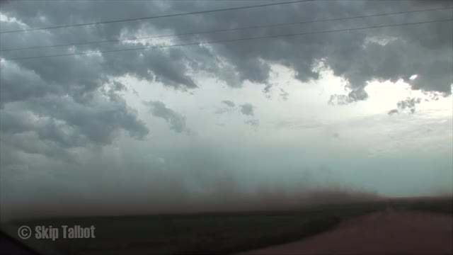Watch Massive Dust Storm Hits GIF by @peterm on Gfycat. Discover more dust storm, haboob, montana, north dakota, sand storm, storm, storm chasing, supercell GIFs on Gfycat