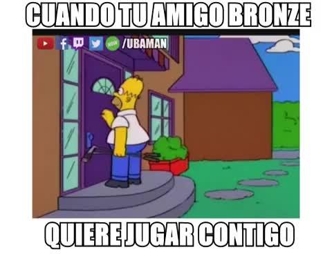 Cuando tu amigo Bronze quiere jugar Contigo
