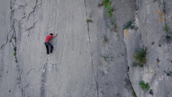 Watch and share Alex Honnold Solo Climbing El Sendero Luminoso GIFs on Gfycat
