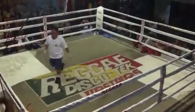 Watch muay thai GIF on Gfycat. Discover more kick, muay thai GIFs on Gfycat
