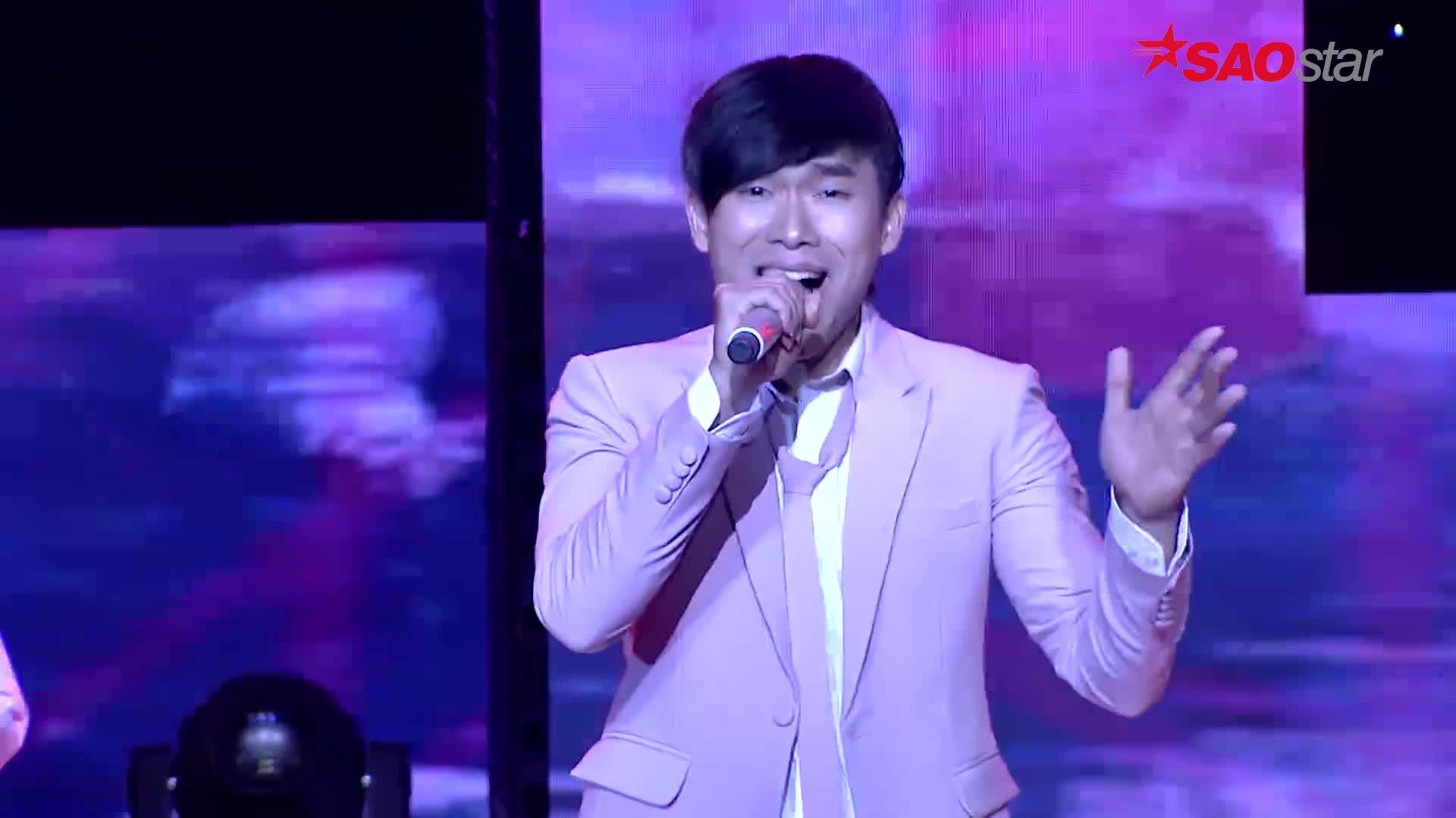 HLV Đàm Vĩnh Hưng táo bạo phối beatbox trong Thành phố buồn cho học trò thể hiện