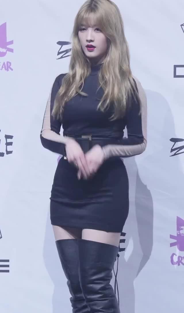 Watch and share CLC - Seunghee GIFs by Dang_itt on Gfycat