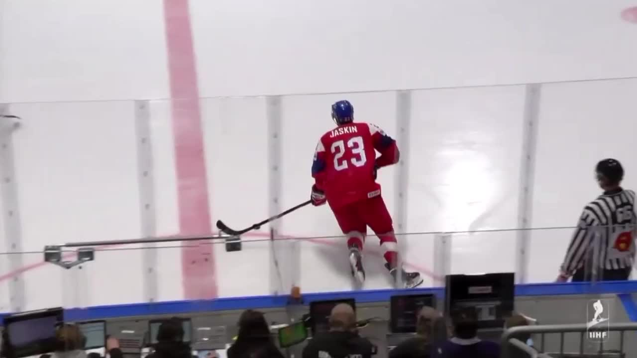 Dmitrij Jaskin assist on Radko Gudas goal GIFs