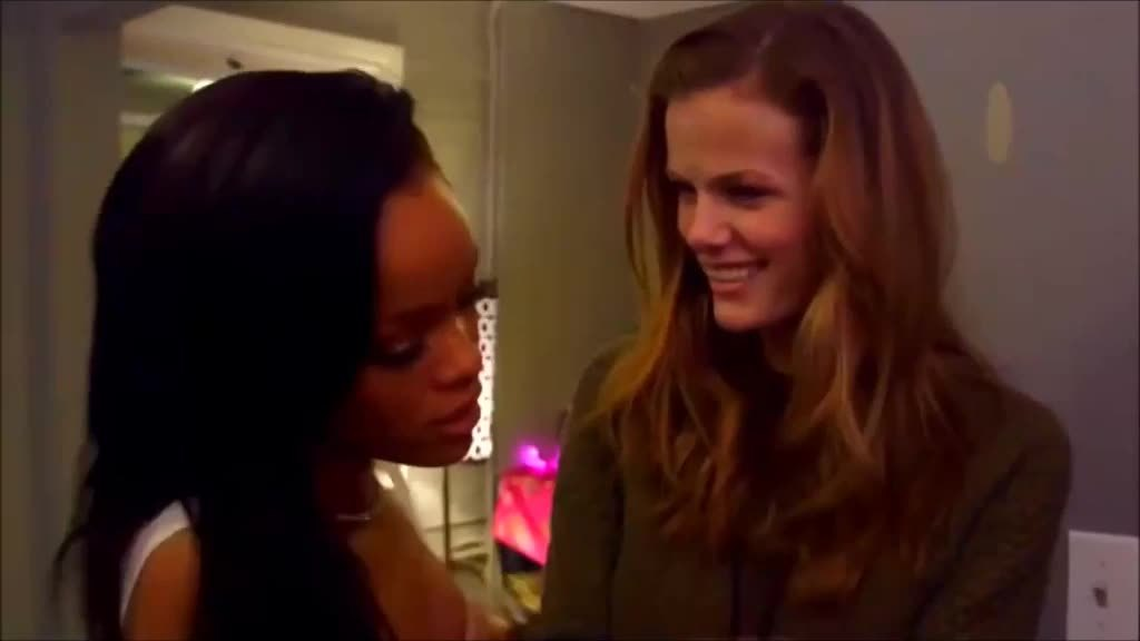 brooklyndecker, rihanna, topcelebgifs, Rihanna gropes Brookyln Decker @ TopCelebGifs GIFs