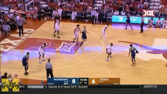 Watch Simpson Scoop GIF by MGoBlog (@mgoblog) on Gfycat. Discover more 2017-18, Basketball, Michigan, PIck & Roll, Texas, Zavier Simpson GIFs on Gfycat