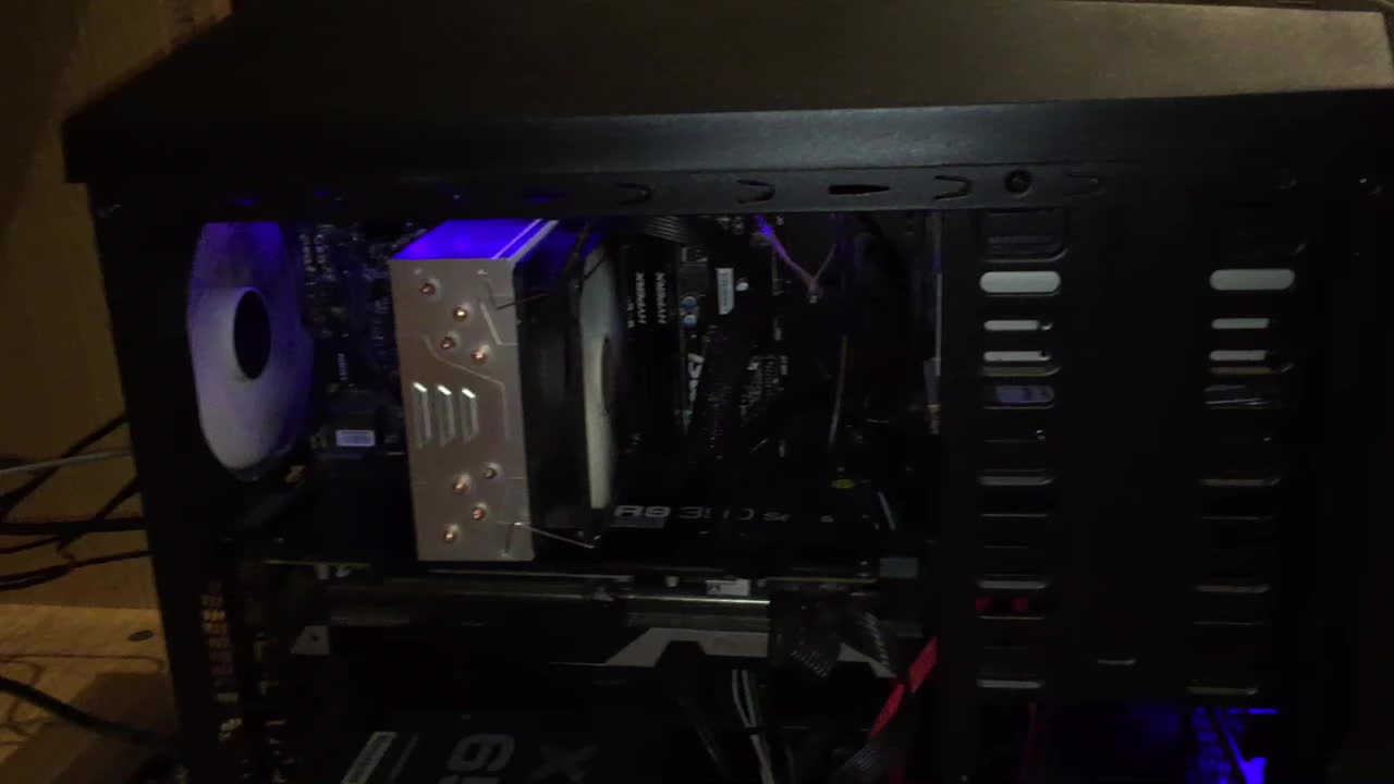 buildapc, While it's running GIFs