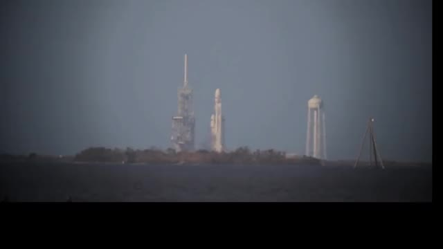 Watch Falcon Heavy Uninterrupted Launch and Landing Stabilized GIF by Smoke-away (@smoke-away) on Gfycat. Discover more Falcon, Heavy, ImageStabilization, SpaceX, SpaceXLounge, Stabilized GIFs on Gfycat