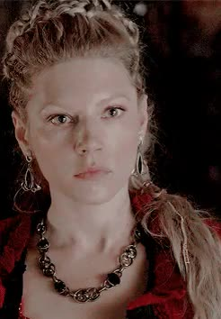Watch VIKINGS GIF on Gfycat. Discover more historyvikings, katheryn winnick, kazztou, okay okay i'll stop. again: zoe will probably make sth beautiful so have a nice evening, season 3, the usurper, vikings, vikings spoilers, vikingsedit, vikinks, vklagertha GIFs on Gfycat