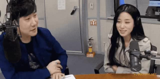 Watch and share  남자들이 좋아하는 여자의 여우짓......gif GIFs by podong on Gfycat