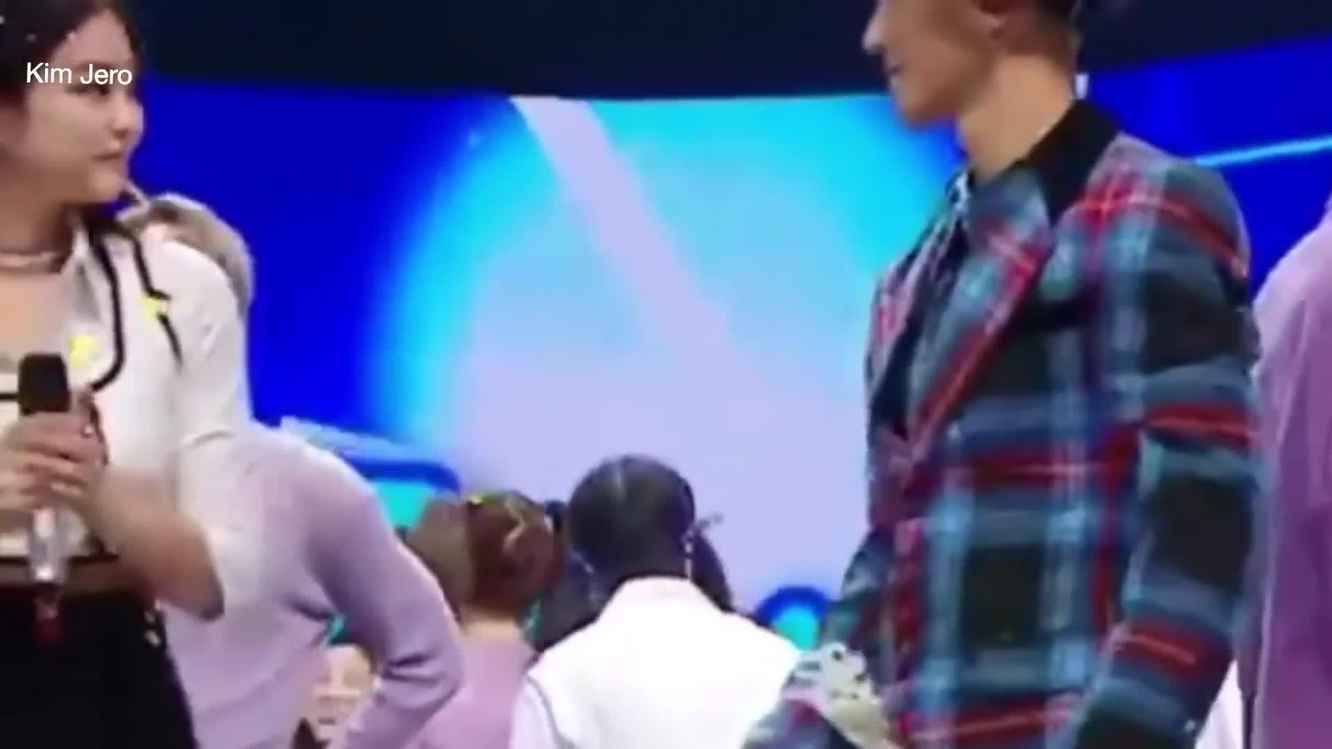 1001 khoảnh khắc: Kai và Jennie đã thính ngập trời thế này mà chúng ta không hề nhận ra?