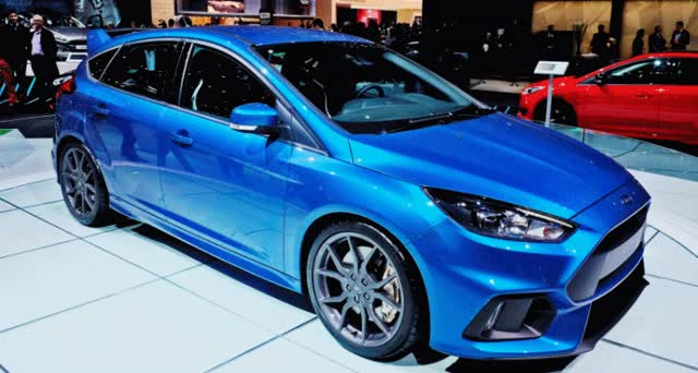 Watch and share 2016 Ford Focus RS Escapes Auto Show Cage To See NYC Sights GIFs on Gfycat