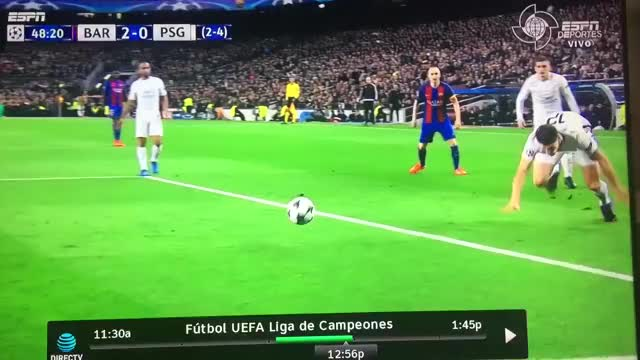 Watch and share Robo Histórico Del Barcelona A PSG. GIFs on Gfycat