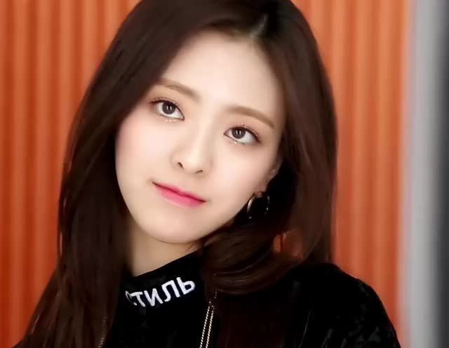 Watch and share Itzy GIFs and Kpop GIFs by Just Girls Dancing on Gfycat