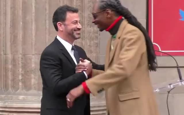 Watch this curated GIF by GIF Queen (@ioanna) on Gfycat. Discover more aww, best, bff, ceremony, dogg, emotional, fame, friend, gracias, grateful, hug, jimmy, kimmel, of, smile, snoop, speech, thank, walk, you GIFs on Gfycat